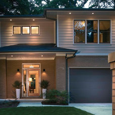 Modern Exterior by Rawlings Design, Inc.