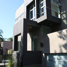 Modern Exterior by Bondanelli Design Group, Inc.