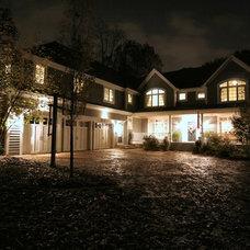Traditional  by Rite Way Custom Homes