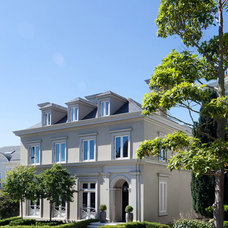 Traditional Exterior by Andrew Skurman Architects