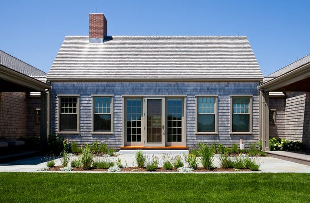 Roots of style cape cod evolves into an american favorite Modern cape cod house