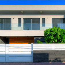 Contemporary Exterior by Moshi Gitelis - Photographer