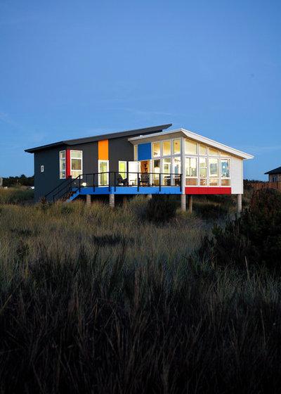 Contemporain Façade by Castanes Architects PS
