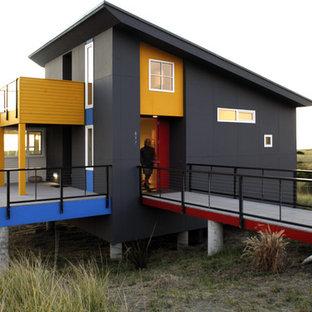 Diseño de fachada contemporánea, pequeña, de una planta, con tejado de un solo tendido