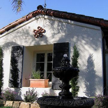 A Spanish Style fountain in a Santa Barbara garden
