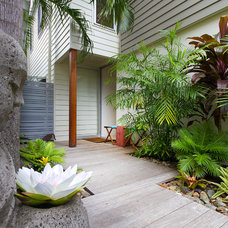 Contemporary Exterior by Soul Space
