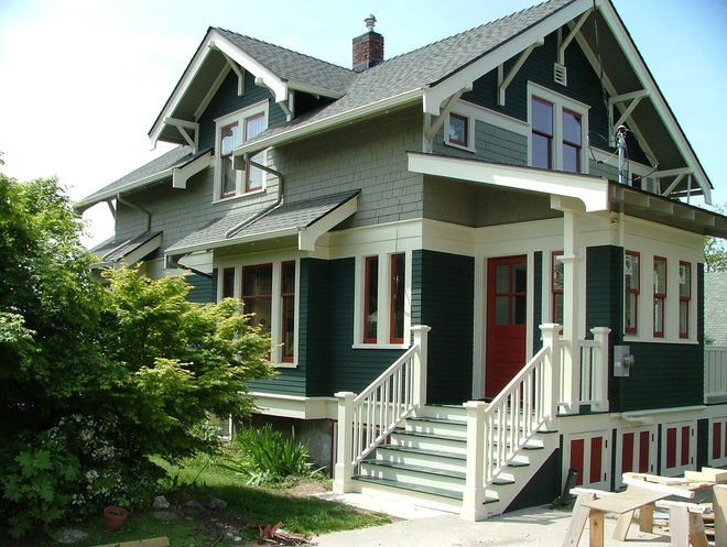 Craftsman Exterior by Christopher Templeton