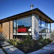 Modern Exterior by Ainslie-Davis Construction