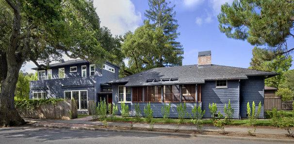 Craftsman Exterior by Cathy Schwabe Architecture