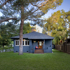Craftsman Exterior by Cathy Schwabe Architecture