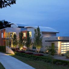 Modern Exterior by kevin akey -azd architects - florida