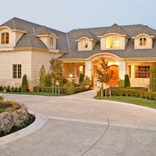 Transitional Exterior by Creative Environments