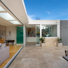 Contemporary Exterior by Statkus Architecture Pty Ltd