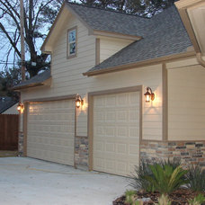Traditional Exterior by Alleanza Custom Homes