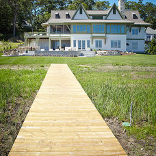 Beach Style Deck by Visbeen Architects