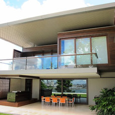 Contemporary Exterior by Allkind Joinery & Glass Pty Ltd