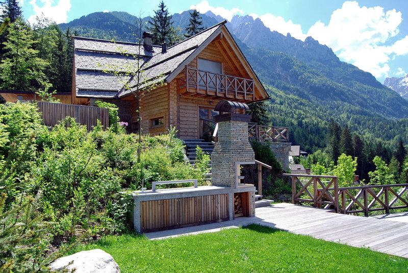 деревенский экстерьер по ландшафтной ду Словении