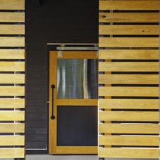 Modern Exterior by B + O design studio, pllc