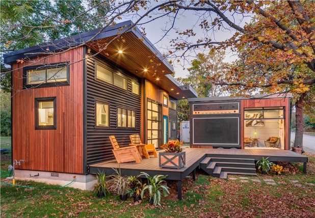 """Industrial Exterior """"Amplified"""" Tiny House"""