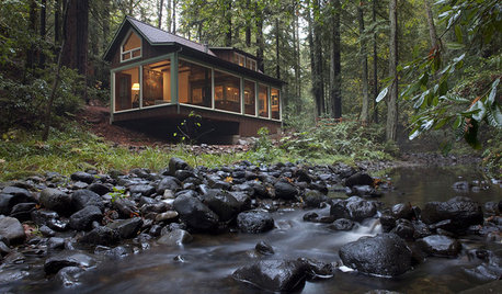 Houzz Tour: A Creekside Cabin Opens to the Views