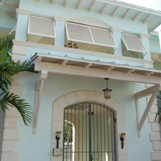 Tropical Exterior by FOULKE CONSTRUCTION
