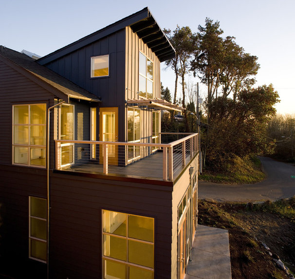 Contemporary Exterior by Rhodes Architecture + Light
