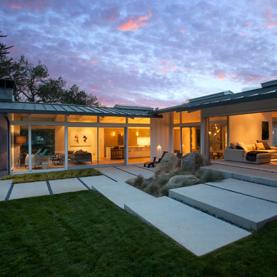 1960s gray one-story house exterior idea in Santa Barbara with a metal roof