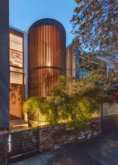 Современный Фасад дома by CplusC Architectural Workshop