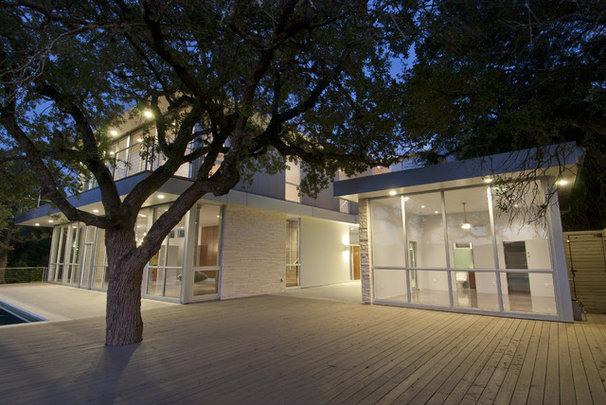 Modern Exterior by Nalle Custom Homes