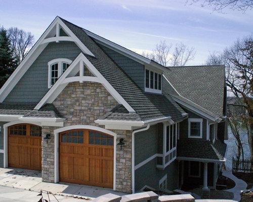 Milwaukee exterior design ideas renovations photos with for Exterior pediments