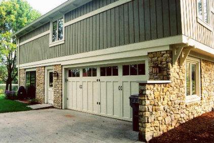 Traditional Exterior by Gettum Associates Inc