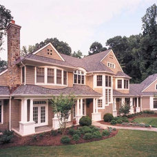 Traditional Exterior by Visnic Homes