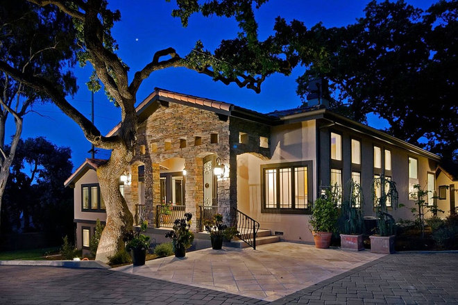 Contemporary Exterior by mark pinkerton  - vi360 photography