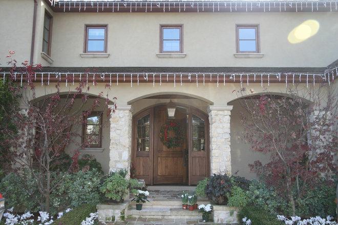 Traditional Exterior Atherton Holiday House Tour
