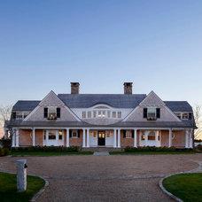 Beach Style Exterior by Dan K. Gordon Landscape Architects