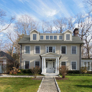 Design ideas for a traditional exterior in New York with three or more storeys.