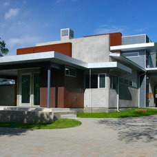 Modern Exterior by Barley|Pfeiffer Architecture