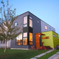Modern Exterior by Hive Modular, LLC