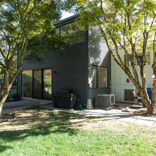 Contemporary Exterior by John Prindle