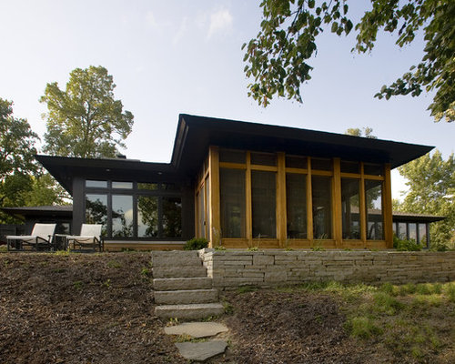 Ideas para fachadas dise os de fachadas negras con - Tejado a cuatro aguas ...