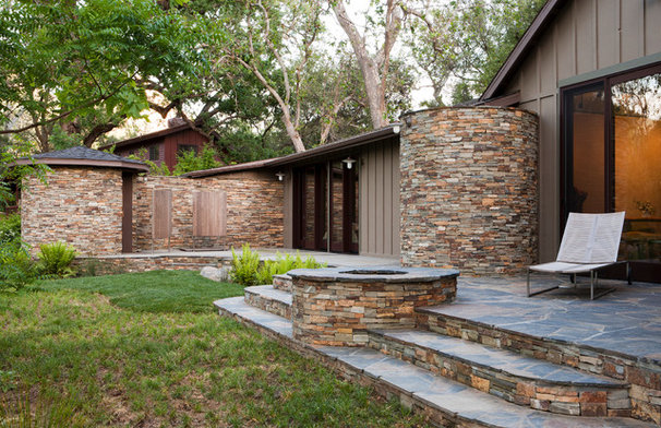 Rustic Exterior by Osborne Architects