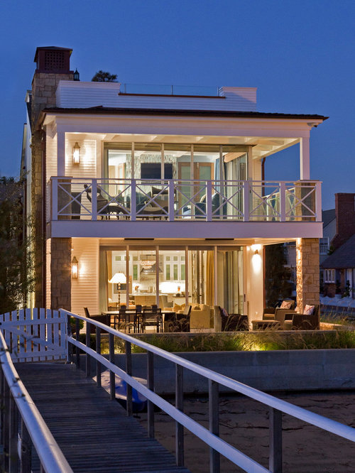 Second floor deck houzz for 2nd floor house front design