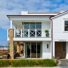 Beach Style Exterior by Sinclair Associates Architects