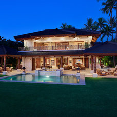 Tropical Exterior by Rick Ryniak Architects