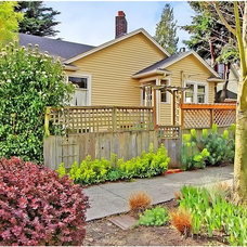 Traditional Exterior by Seattle Staged to Sell and Design LLC