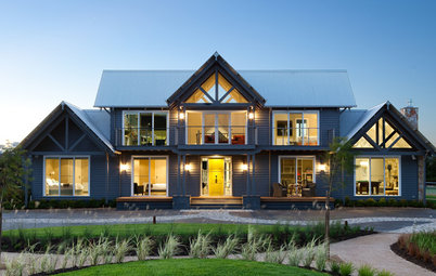 Houzz Tour: Traditional Meets Airy in a Luxurious Coastal Home