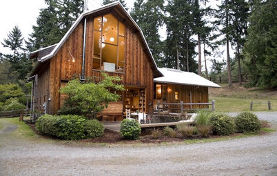 Houzz Tour: A Warm Washington Barn Rolls Out the Welcome Mat