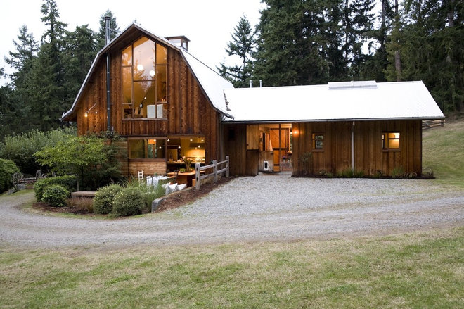 Rustic Exterior by SHED Architecture & Design