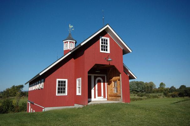 Farmhouse Exterior by Birdseye Design