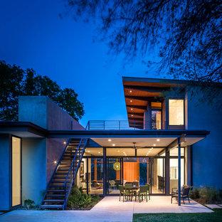 Esempio della facciata di una casa grande contemporanea